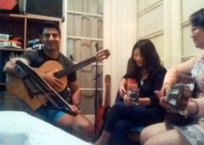 mike-rizk-and-the-girls-guitar-lesson